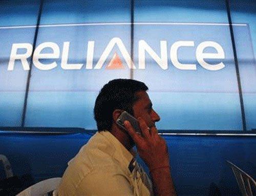Vodafone, RIL, Airtel gear up for fierce spectrum battle