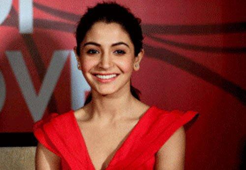 Snippets: Anushka starts shooting for 'NH10'
