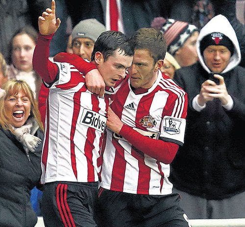 Sunderland hold Saints