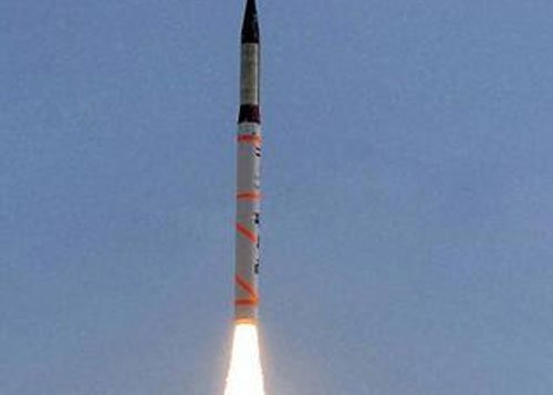 India successfully test fires Agni-IV missile