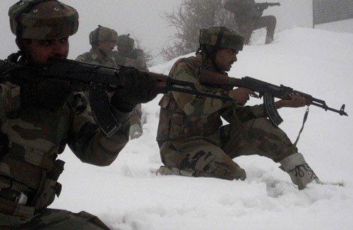 Gun fight between security men, guerrillas in Kashmir