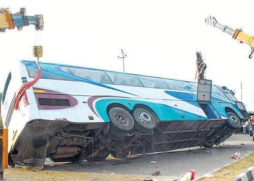 Five die as bus overturns near Bangalore