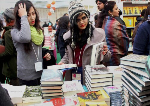 'India may dream in Hindi but aspires to write in English'