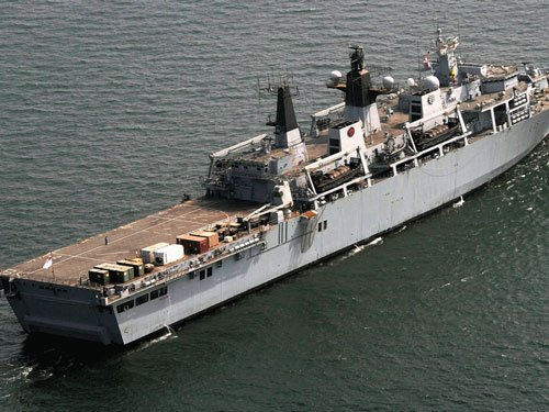 French naval ship rescues hijacked Indian sailors