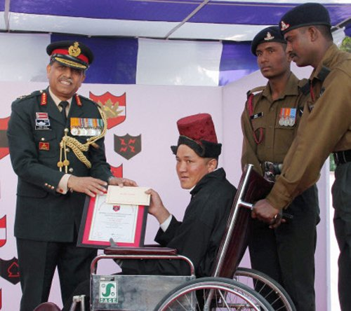 In a first, Ladakh civilians get bravery award from Army