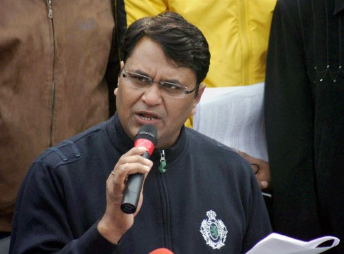 Binny meets police commissioner, demands action agst Bharti