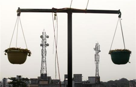 Telecom Commission recommends 3 spectrum fee options to EGoM