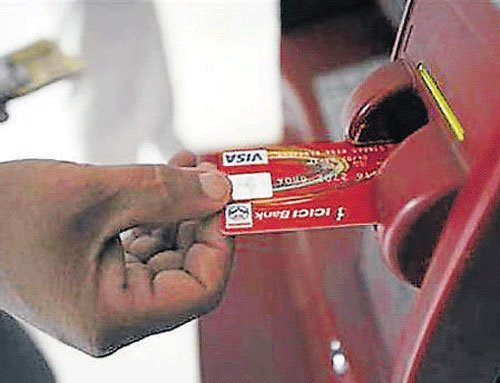 India Post to install 3000 ATMs,1.35 lakh mirco-ATMs by Sep'15