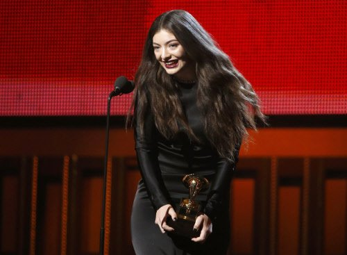 'Royals' gets song of the year at Grammy Awards 2014