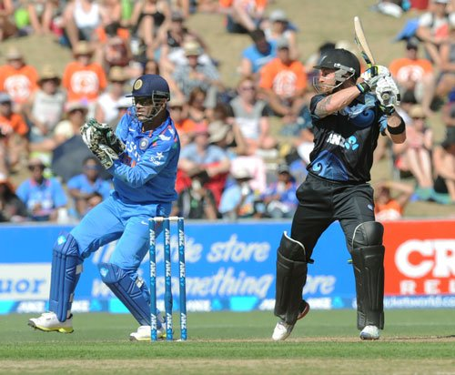 Our bowlers need to start using their brains more, says Dhoni