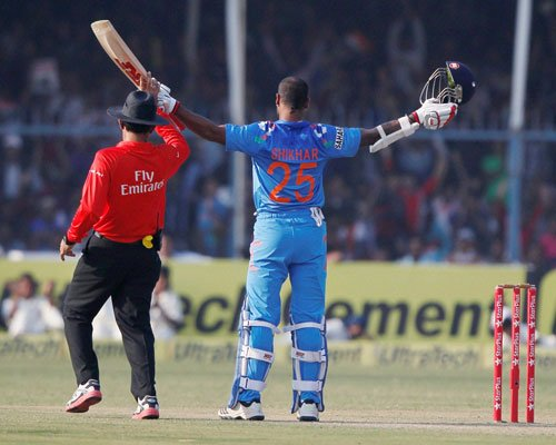 Shikhar's technical flaws could land him in trouble: Azhar