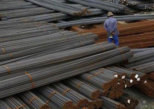 'Iron & steel plants in life threatening crisis in K'taka'
