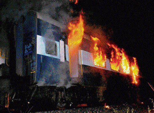 Negligence led to B'lore-Nanded Express fire: Report