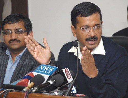 Cong MLA disrupts Kejriwal's press conference
