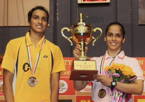 Saina rises to No.7, Sindhu back in top-10