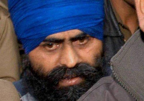 SC stays execution of Bhullar
