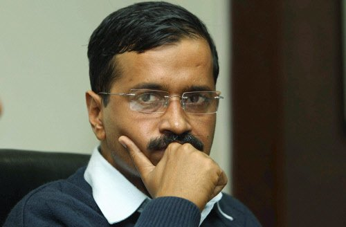 Discoms trying to blackmail govt: Kejriwal