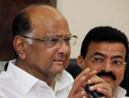 Pawar denies meeting Modi, BJP says Congress 'sinking ship'