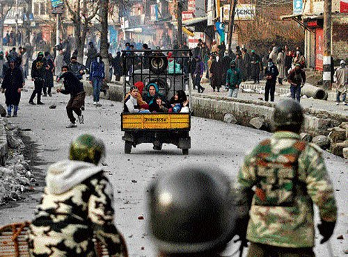 Hurriyat strike hits life in Kashmir