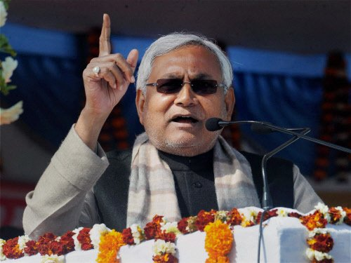 Talk has begun on new political front: Nitish