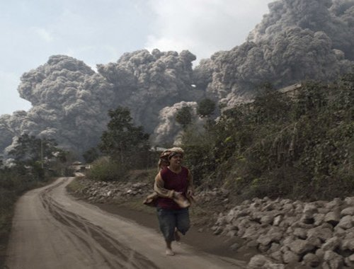 Eight killed in Indonesia volcano eruption