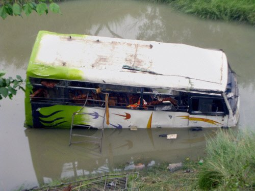 10 killed in Pune bus tragedy