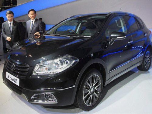 Maruti Suzuki unveils two concept models at Auto Expo