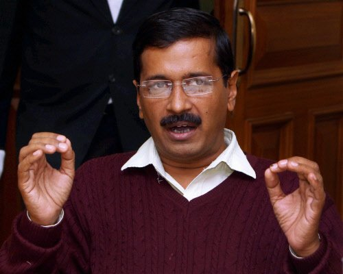 I am not trying to topple myself: Kejriwal