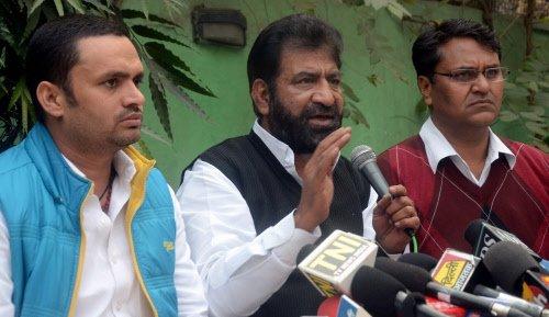 Kejriwal government on shaky ground