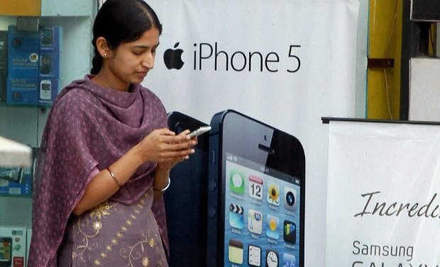 Telephone users decline to 89.98 crore at September end: Trai