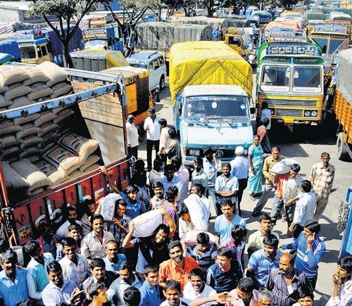Trucks ply on City roads, despite ban