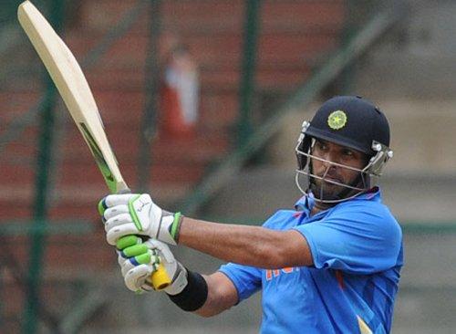 Yuvraj, Karthik big winners at IPL auction