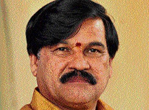Karnataka ex-minister recovering after suicide bid