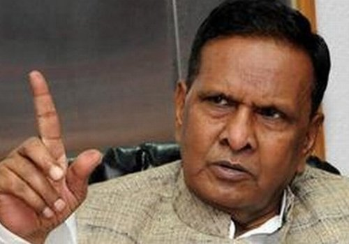 BJP accuses Steel Minister of trying to bribe journalists