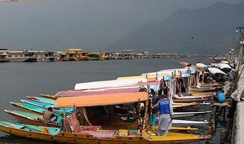 Develop new destinations: Kashmir tour operators to state