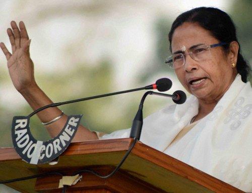 Mamata takes potshots at Modi's 'chai pe charcha'