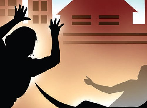 Two stab woman to death in Delhi