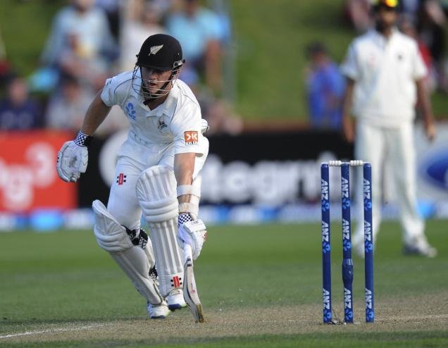 McCullum leads Kiwi fightback, but India on top