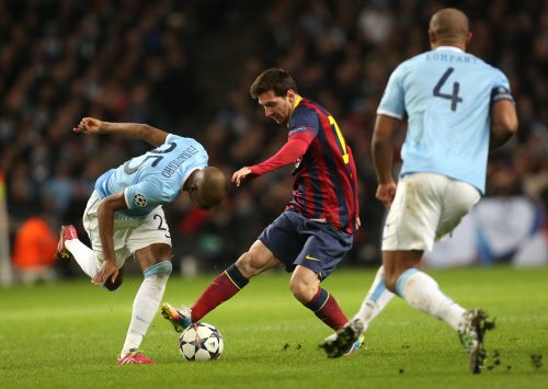 Barca take control with 2-0 win over 10-man City
