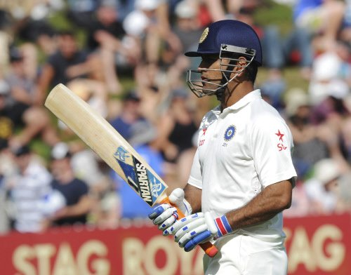 Dhoni ruled out of Asia Cup with injury, Kohli to lead