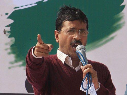 Kejriwal targets BJP, Congress at first election rally