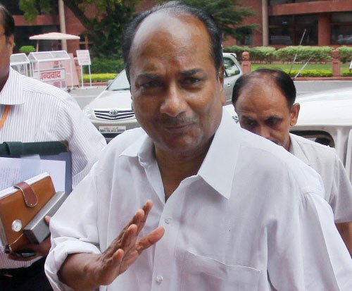 Met PM before accepting Navy Chief's resignation: Antony