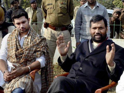 BJP, LJP leaders in hectic parleys on seat-sharing in Bihar