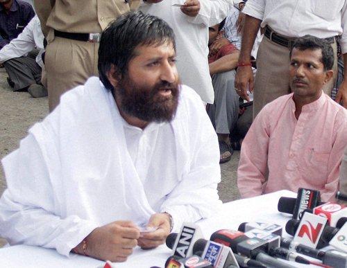 Husband of woman who accused Narayan Sai of rape attacked