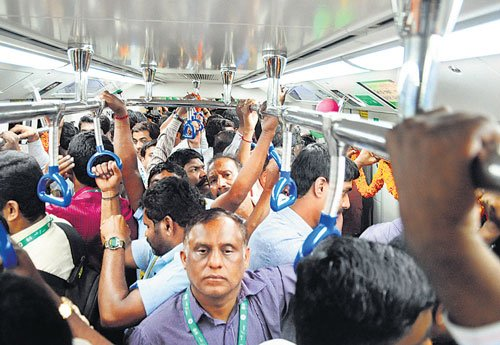 Chief minister sets March 2015 deadline for Metro Phase 1