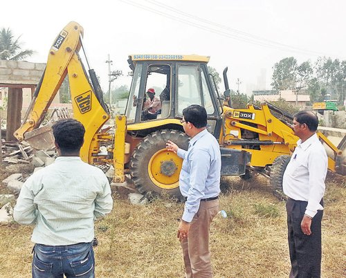 Encroached gomala land worth Rs 40 crore cleared