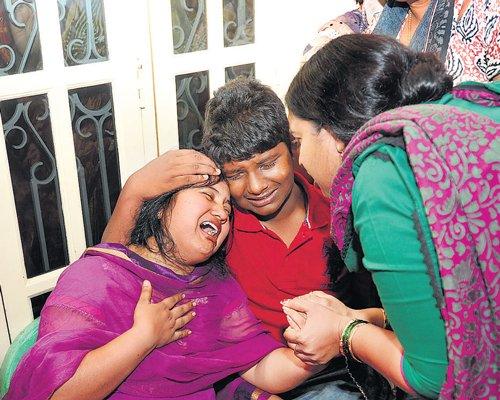 BJP corporator's husband hacked to death in salon | Deccan Herald