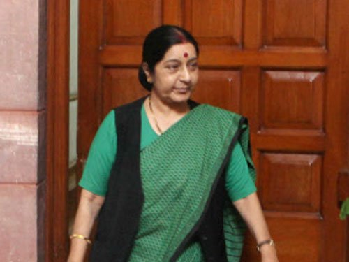 Sushma opposes 'tainted' ties