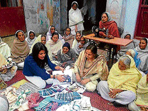 Vrindavan widows to make clothes for West