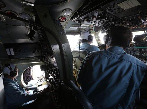 Malaysia identifies one stolen passport user on missing plane